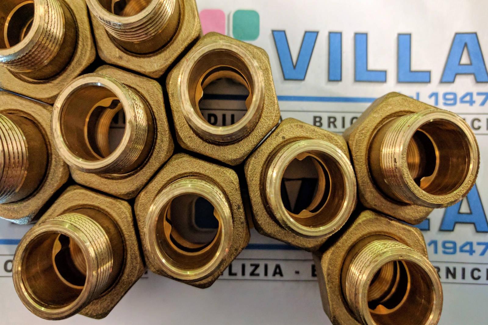 raccordi-e-manicotti-di-ottone-disponibili-presso-Villa-Srl-di-Frosinone.jpg
